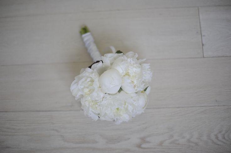profumato e delicatissino bouquet di candide peonie bianche