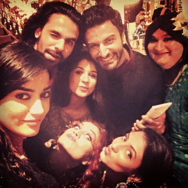 1 more for you guys... #selfie #group