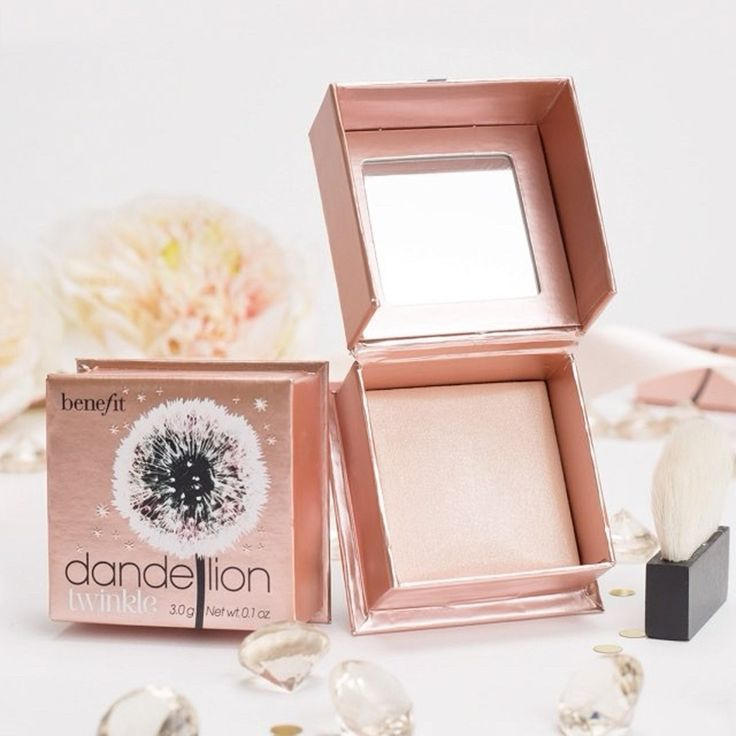 The Benefit Dandelion Twinkle Highlighter Is a Shimmery Twist on a Classic | Allure