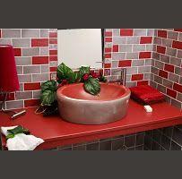 Salle de bain gris-rouge | Carrelage Boutal - Salernes
