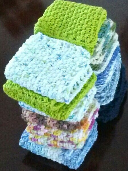 Crochet dishcloths - free pattern used from Red Berry Crochet