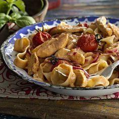 Free creamy peri-peri chicken with pasta recipe. Try this free, quick and easy creamy peri-peri chicken with pasta recipe from countdown.co.nz.