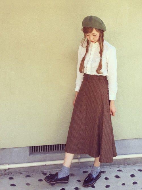 #白シャツ     #ローファー     #ベレー帽     #チェックスカート     #ミモレ丈スカート     #ハイウエスト     #かなえのおさがりシリーズ