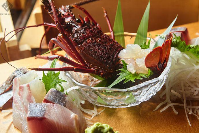 「華月」では秋から春に提供する伊勢海老や夏のアワビと、三重ブランドの海鮮が味わえます。 #三重 #伊勢海老 #華月