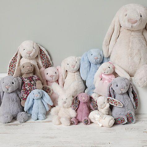 Choisissez votre lapin Jellycat  #Jellycat #peluches #doudou #cuddlytoy http://www.larmoiredebebe.com/peluche-doudou/peluche/c7141/+fb-C000035243.html
