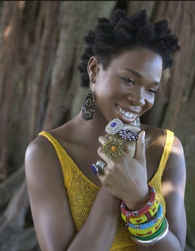 India Arie is one of my favorite naturalistas!