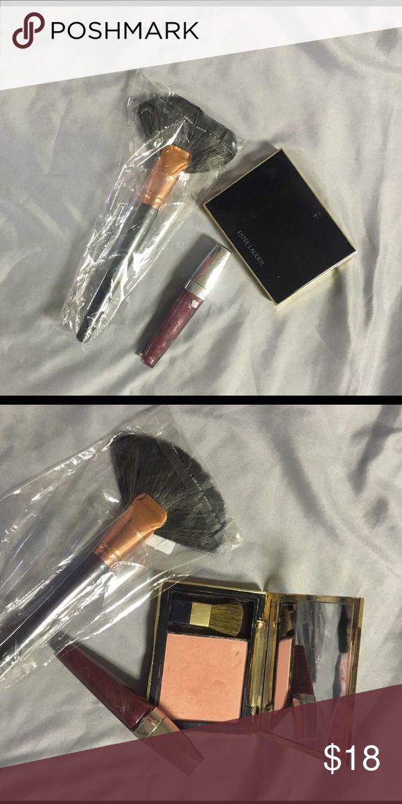Estée Lauder bundle Blush and lip color. Brush free gift Estee Lauder Makeup