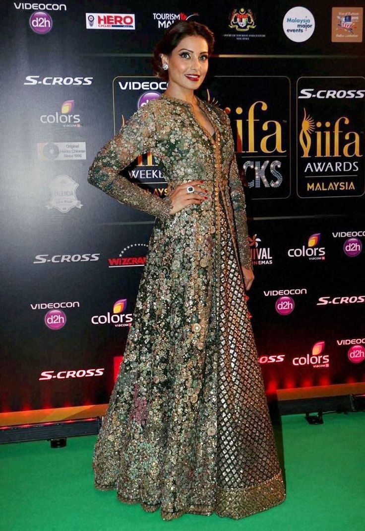 #Bipasha #Basu stunned and looked gorgeous in this #ethnic attire!