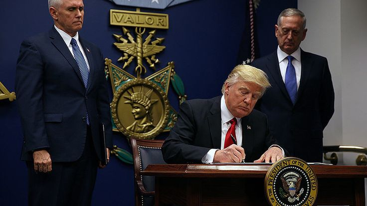 Rebuild military & ban radical Muslims: Trump signs executive actions at Pentagon https://www.rt.com/usa/375350-trump-pentagon-military-muslims/