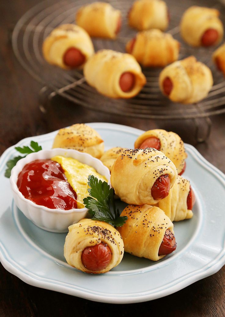 3-Ingredient Crescent Hot Dog Rollups – These fluffy, buttery appetizer bites are perfect for parties + lunchboxes! So delicious and fun to make with kids! Thecomfortofcooking.com