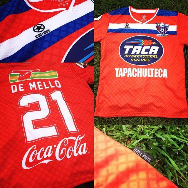 Lista!!!, piel de toro #21, #nidelson #demello #lafirpo #usulutan #furiapampera #futbolretro #retrosyrarezas . Disponible en Tiendas Gol.