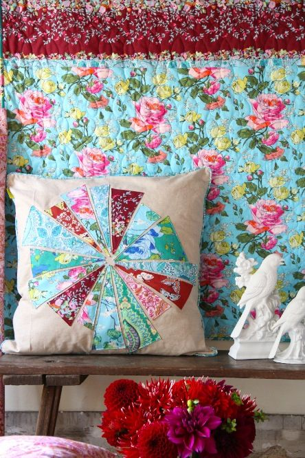 Amy Butler\u0027s Alchemy Fabrics with The Sweet Slices Pillow - free pattern! & 161 best Amy Butler images on Pinterest | Amy butler Amy butler ... pillowsntoast.com
