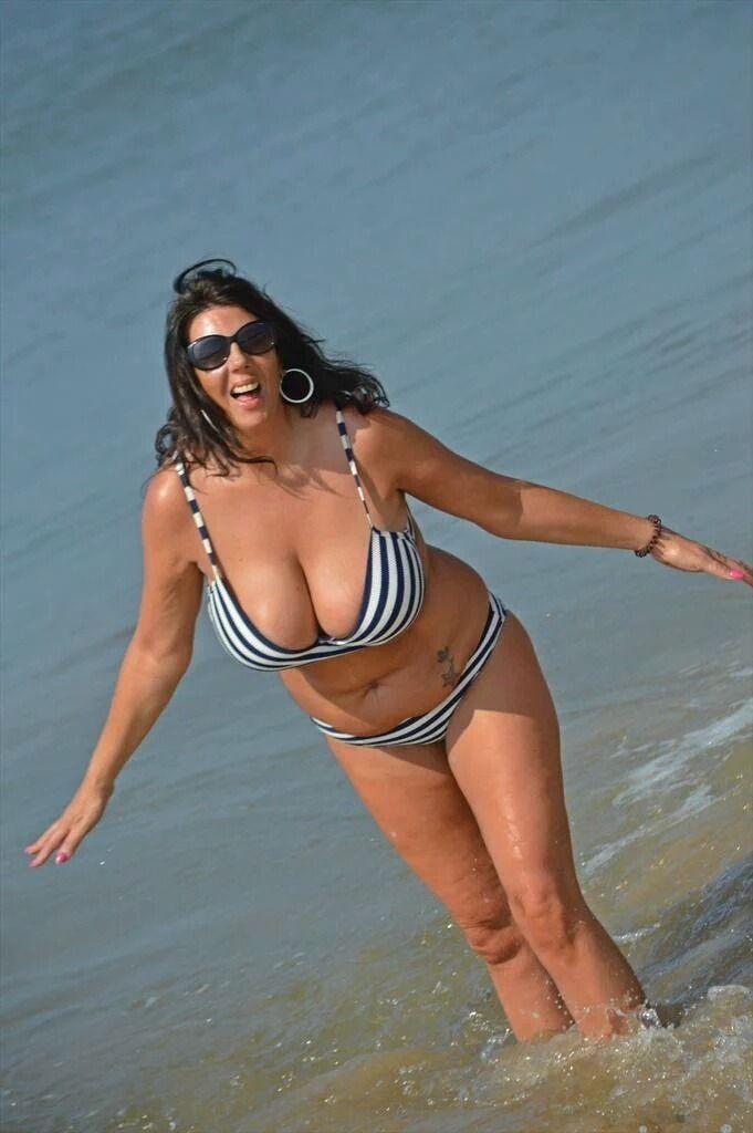 Sexy nonnude mature women pics
