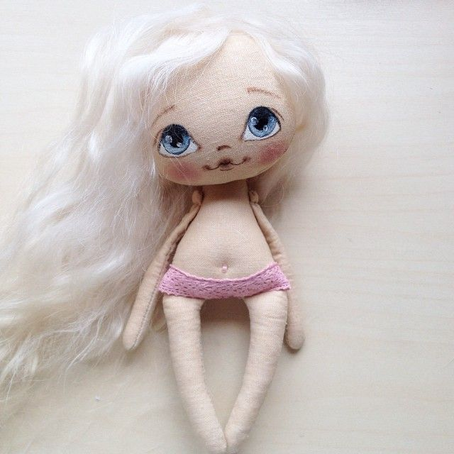 Заказала козьих волосиков, моим маленьким подойдут нежные натуральные кудряшки, а вам какие больше нравятся? #кукла #куколка #куклаолли #олли #doll #dollolly #artdoll