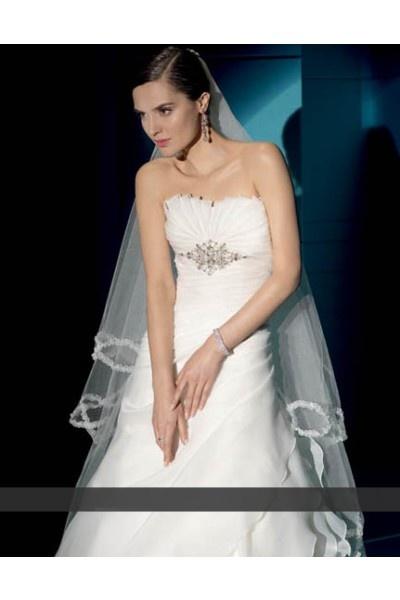 27 best fashion images on Pinterest   Bridal gowns, Celebrity ...