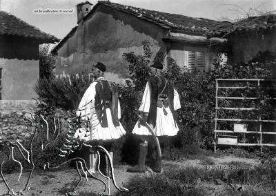 Porträt zweier Männer in Tracht. Nachlass Alfred Schiff (1863-1938); Uni-Koeln