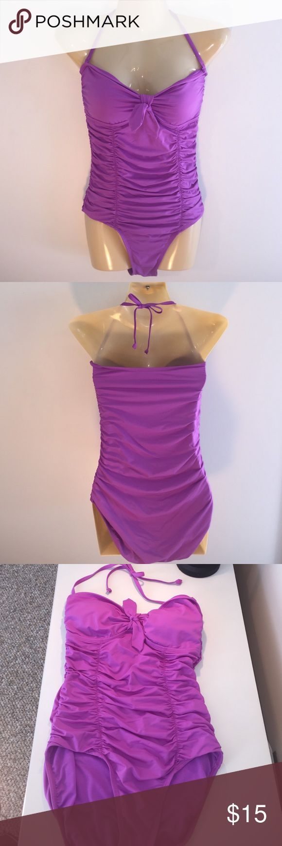 Old Navy Size Small Classy Halter One Piece Old Navy Size Small Classy Halter One Piece Front Runching Slims Tummy, Padded Cups, Detachable Neck Tie, Like New Old Navy Swim One Pieces