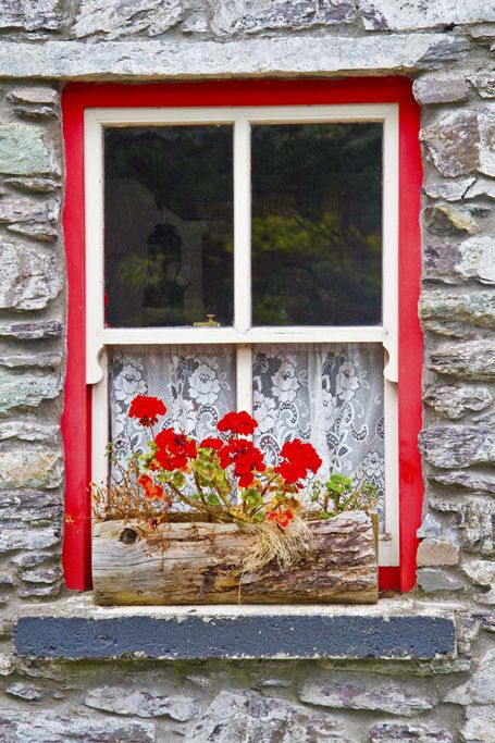 """LOVE THE RED BORDER AROUND THE WINDOW……..SHOWED MY HUSBAND TO GIVE HIM SOME IDEAS……HIS PROFOUND  OBSERVATION:  """"IT'S  A  WINDOW, RIGHT??""""…….ccp"""