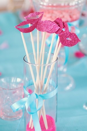 glittery lips on a stick: Valentines Parties, Bachelorette Parties, Photo Booths Props, Photo Props, Bridal Shower Ideas, Valentines Day, Colors Palettes, Glitter Lips, Parties Ideas
