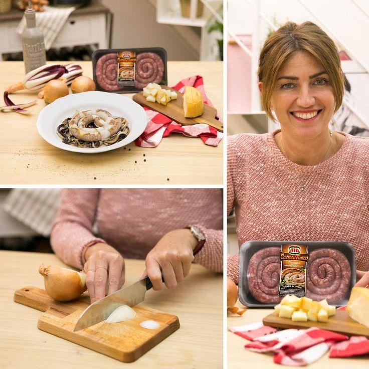 Chiara Maci non smette mai di stupirvi! Ecco la sua specialità per un secondo... da urlo! 😄 Scoprite la ricetta della salsiccia con radicchio trevigiano e provola affumicata! #LeIdeediAIA #aia #salsiccia #luganega #trevigiano #formaggio #ricette #cucina #cucinare #yummy #yummyfood #cipolle #cipolla #PiattiItaliani #family #cooking