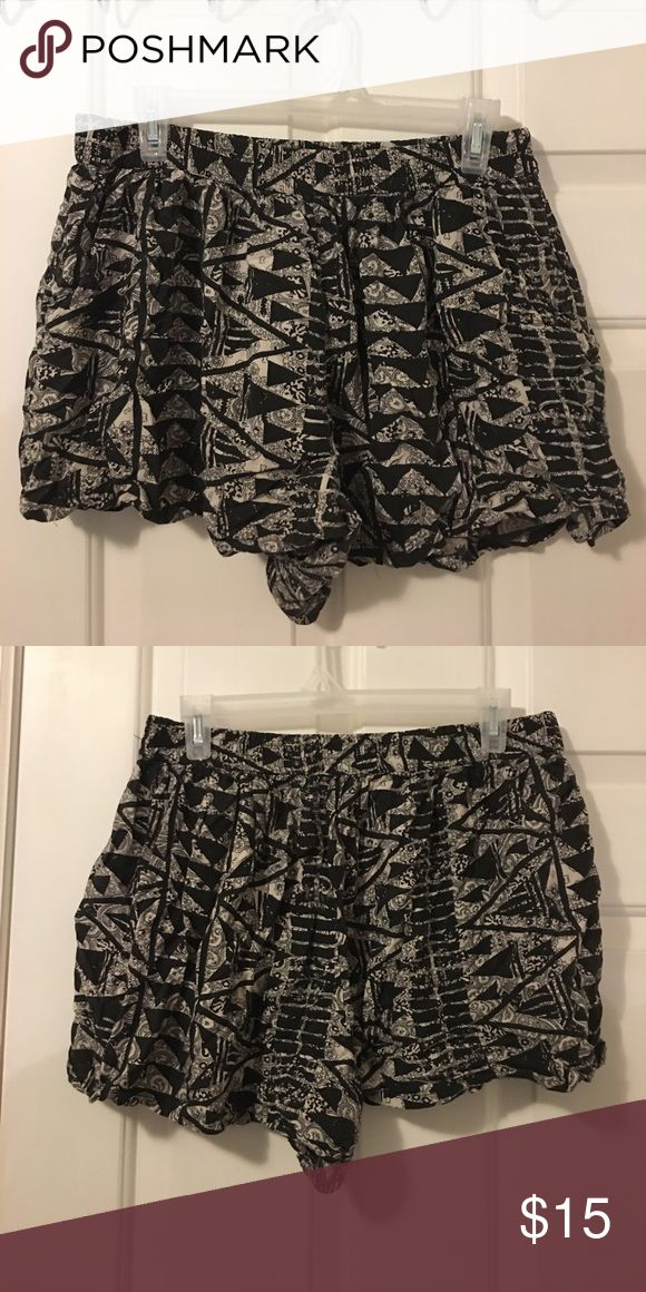 Cloth Aztec Print Shorts These fun flowy shorts have pockets and an elastic waist Mossimo Supply Co. Shorts