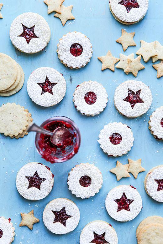 Hazelnut Linzer Cookies with Vanilla-Cranberry Jam | www.floatingkitchen.net