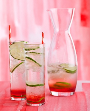 Cherry Gin and Tonic: Happy Hour, Limes Gin, Gin And Tonic, Gin Tonic, Sweet Cherries, Cherries Gin, Forks Bacon, Drinks Recipes, Cherries Limes