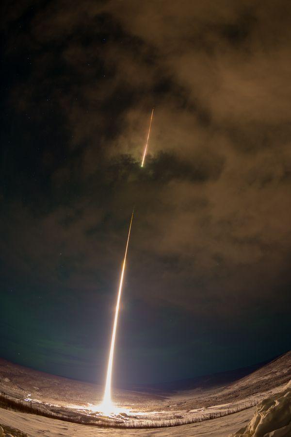 Запуск космической ракеты с Аляски в полярную ночь космос, ракета, НАСА, Запуск ракеты
