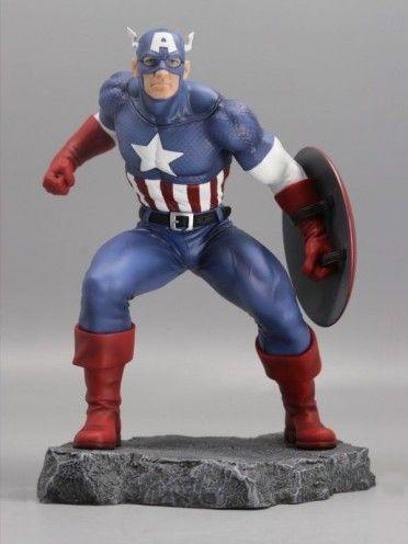 Statuette Captain America, dans sa version Marvel Civil War, basé sur une illustration du dessinateur Steve McNiven.