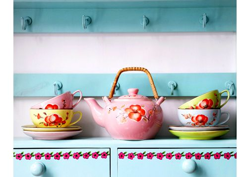teapot & cups to host a colorful tea party at home: Pastel Teapots, Teas Time, Teas Cups, Teas Pots, Colors Palettes, Pastel Colors, Teas Sets, Teapots Teacups, Teas Parties