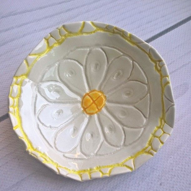 Porcelain small bowl, bonechina #handmade #spring #flower #bowl #porcelain #daisy #