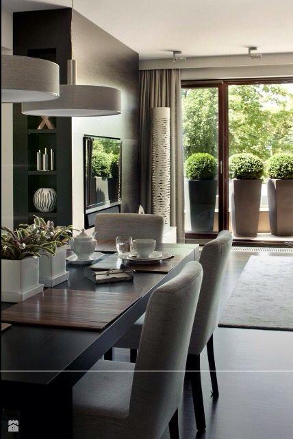 Okno tarasowe. Oświetlenie nad stołem