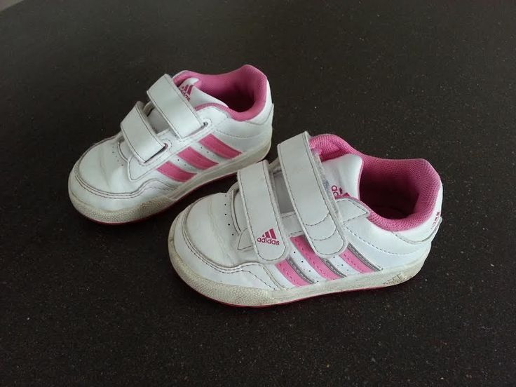 http://www.ebay.fr/itm/Chaussures-baskets-ADIDAS-fille-Taille-22-/390943777171?pt=FR_Bebe_Chaussures