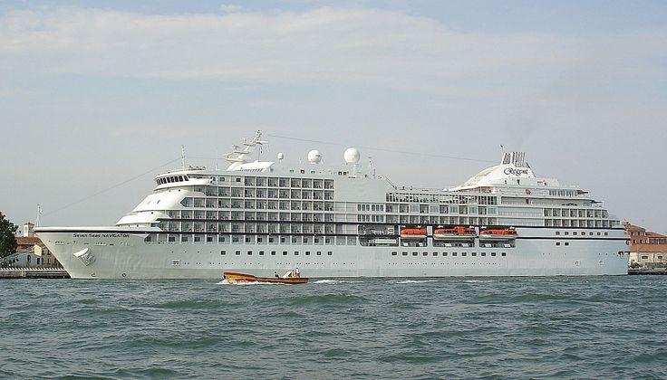 SEVEN SEAS NAVIGATOR. Ιδιοκτησία: Celtic Pacific II - UK. Διαχείριση: Regent Seven Seas Cruises (an Apollo Management Comp.). Τελείωσε στις 25/08/1999. 28.550 GT ~ 170,60 μ.μ. ~ 21,80 μ.πλάτος ~ 8 κατ/τα ~ 17,5 ~ 20 knots ~ 504 ~ 542 επ. ~ 340 ατ.πλ.