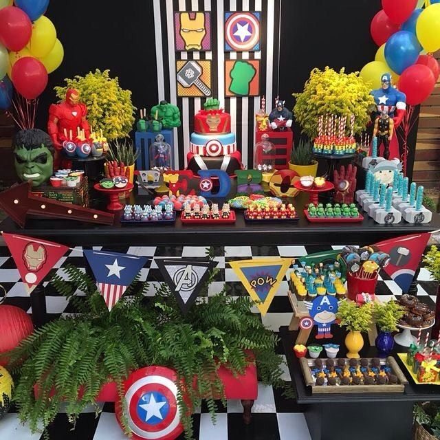Olhem que linda essa festa dos Vingadores! Via Pinterest festainfantilhellip