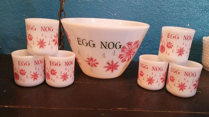 FIRE KING Tom & Jerry Snowflakes Eggnog Punch Bowl 6 Cupsl mugs Christmas EUC