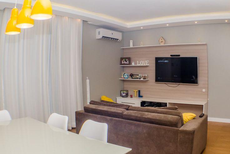 Apartamento LT - Reforma de apartamento antigo para um jovem casal, para deixar sua morada com uma cara mais jovem e obter uma iluminação mais adequada, incluindo aplicação de tijolinho Ecobrick Santa Luzia (Art Pedras) e piso vinílico Eucafloor (Revest House), além de mobiliário novo. Manaus, AM - Baré Arquitetura