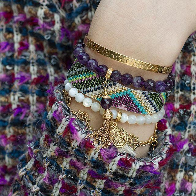 Klasyczny żakiet w chanelowskim stylu łączymy z wyrazistym zestawem biżuterii. W tym sezonie stawiamy na stylizacje pełne przepychu #mokobelle #mokobellejewellery #jewellery #hellogirl #beauty #girl #young #instagood #instagirl #polishgirl #ootd #outfit #style #lifestyle #nice #bijoux #inspiration #hot #top #woman #fall  #warsawgirl #buythelook #trendy  #hellogeorgeous #like #love #winter #tweed #chanel