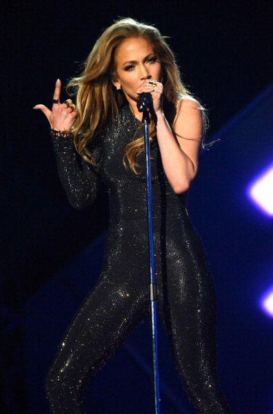 Jennifer Lopez Billboard 2014 Awards performing looking unbelievable #idol #fitness #star