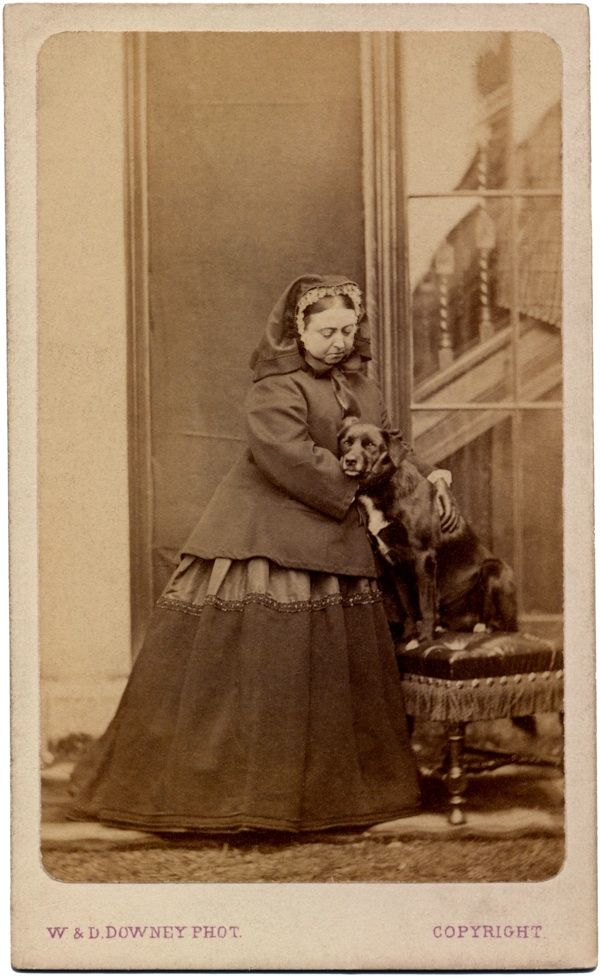Queen Victoria and Sharp at Balmoral in 1867. > isn't Sharp the favorite dog that the Queen had a bronze statue erected in honor of?