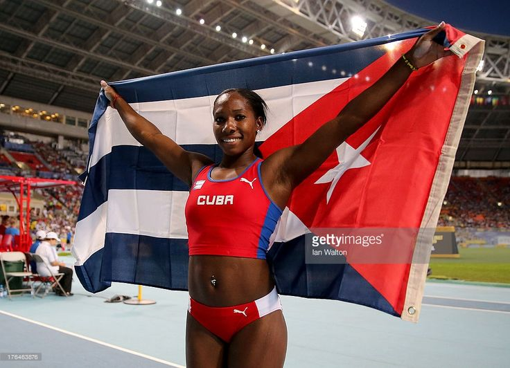 bronze-medalist-yarisley-silva-of-cuba-poses-after-the-womens-pole-picture-id176463876 (1024×741)
