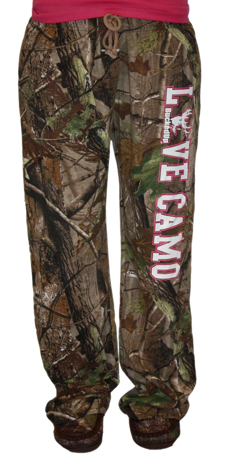 LOVE CAMO Camo Lounge Pants. I need these for when I go to the hunting club with daddy:)