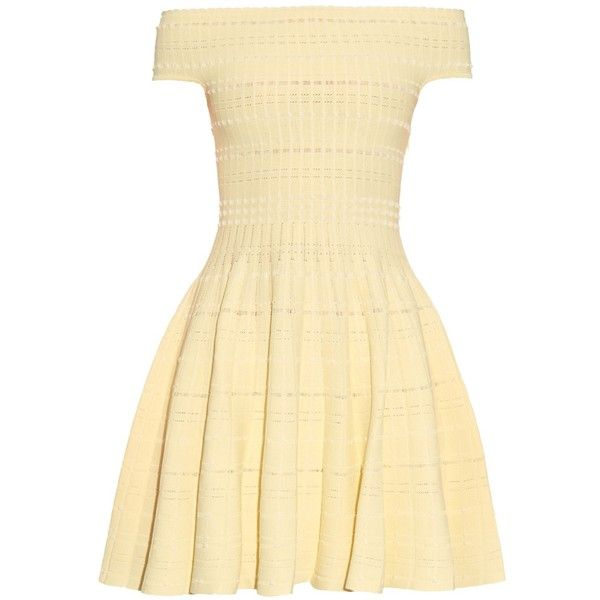 Alexander McQueen Off-the-shoulder knitted mini dress ($1,545) ❤ liked on Polyvore featuring dresses, yellow, short dresses, vestidos, off shoulder cocktail dress, yellow mini dress, tweed dress and alexander mcqueen dresses