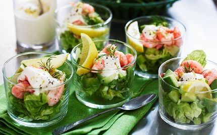 Shrimp salad with lemon dressing