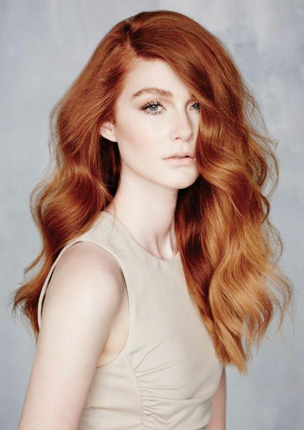 cheveux longs de couleur rouge, quelle couleur de cheveux