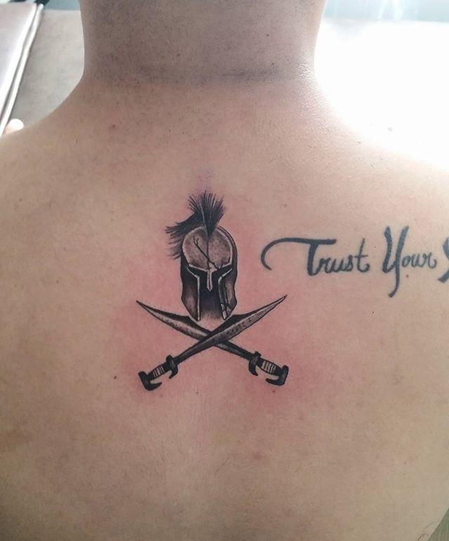 #tattoo #tatuajes #guadalajara #gdl #guadalajaratatto #blackandgrey #helmettattoo #gladiatortattoo