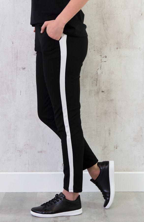 Black pant with white stripes - Zwarte broek met witte ...