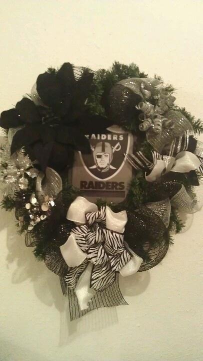 Raiders Wreath