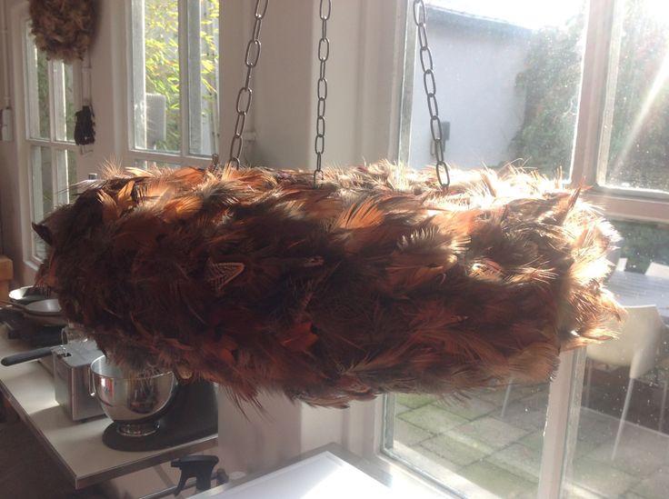 Wildrek - Hangende krans kerst - krans met rek - krans met veren - krans 50 cm - klaar voor verzending door DutchFeatherCompany op Etsy