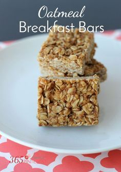 These healthy breakfast bars are (refined) sugar free but still sweet and satisfying. Add chocolate chips or raisins to oatmeal bars for a sweet treat!